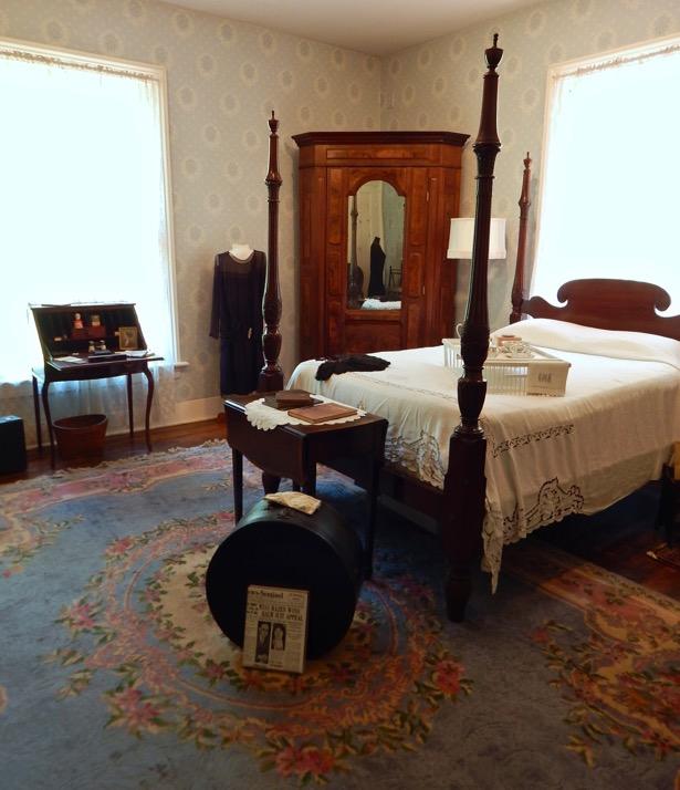 Mabry-Hazen House Evelyn's Bedroom. Read the post on penderandpeony.com