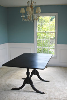 DIY Wainscoting in the Dining Room. Learn the tricks to putting up molding on penderandpeony.com