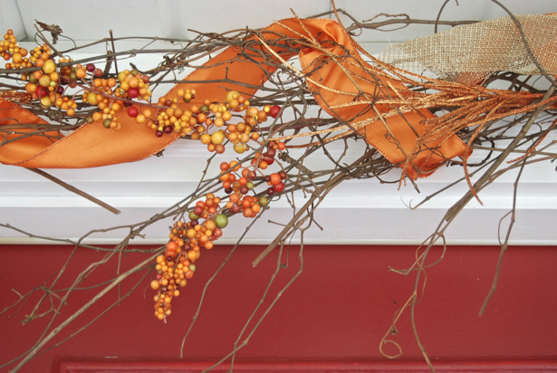 grapevine-garland-detail-with-fall-berries
