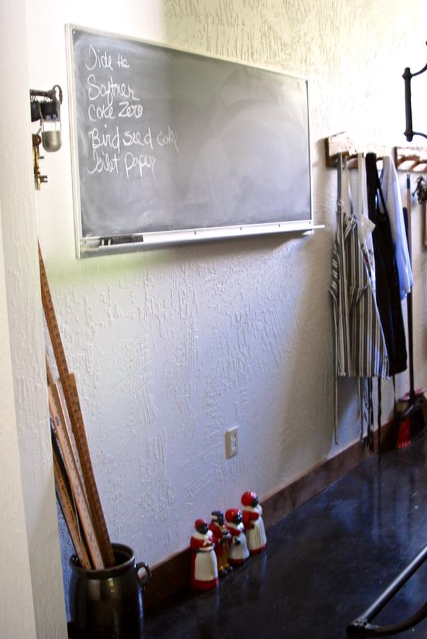 chalk-board-grocery-list-organized-pantry
