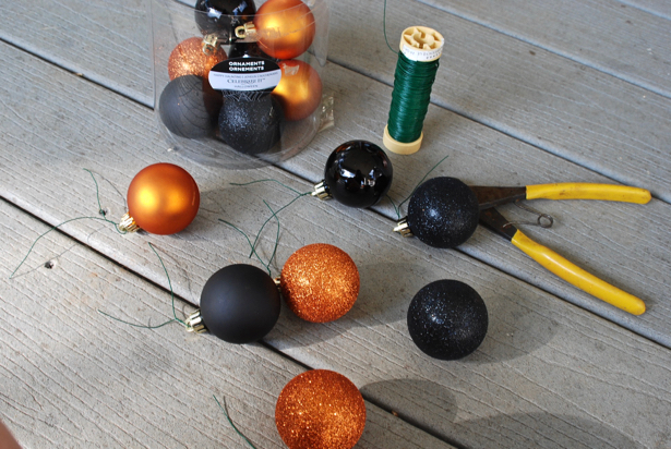 fall-decor-to-halloween-balls
