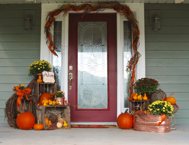 Farmhouse Fall Porch with Rustic Crates and Copper. Get inspired on penderandpeony.com
