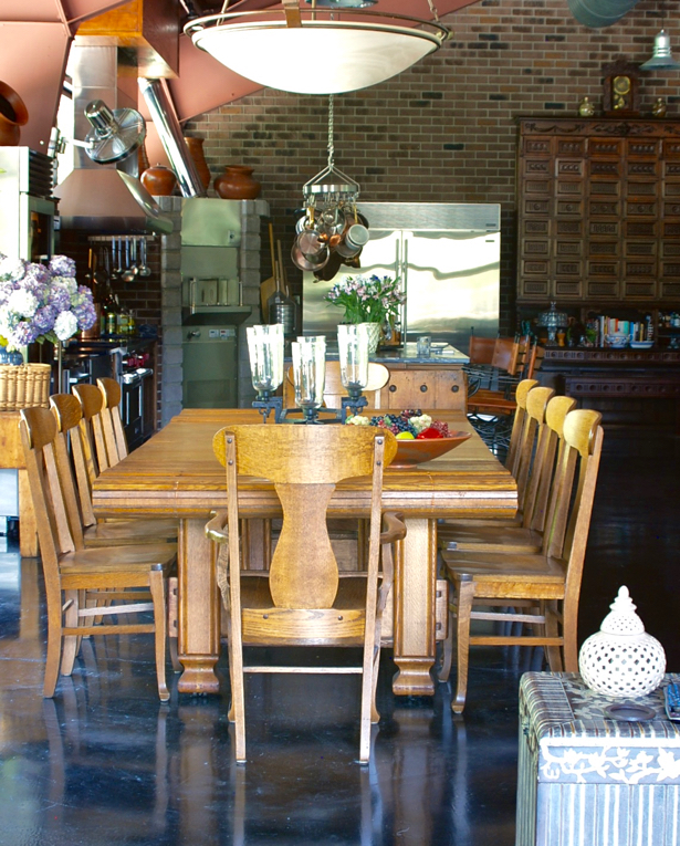 safari-glam-meets-industrial-chic-dining-room