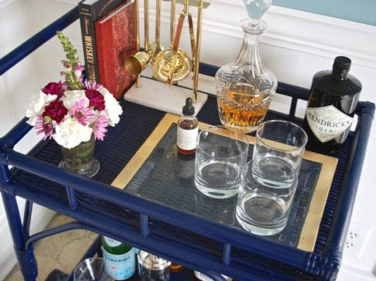 Rattan bar cart DIY in navy blue - perfect for chic entertaining