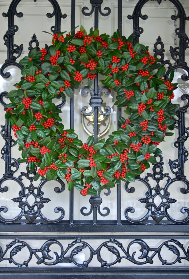 Learn how to make a fresh holly wreath!