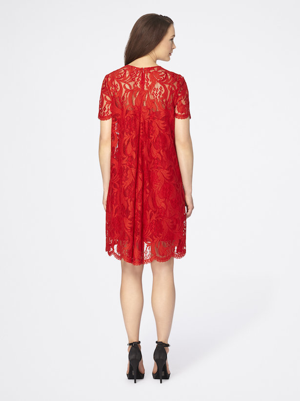 Valentine's date night is almost here and whether you want to rock a LBD or go fully festive in red, I've got some amazing selections for your romantic evening from Tahari ASL!