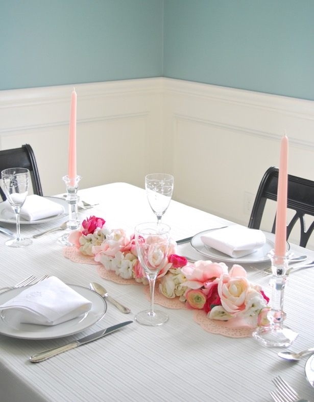 whether you are celebrating Valentine's day or Galentine's day this floral garland table runner is sure to delight your diners!