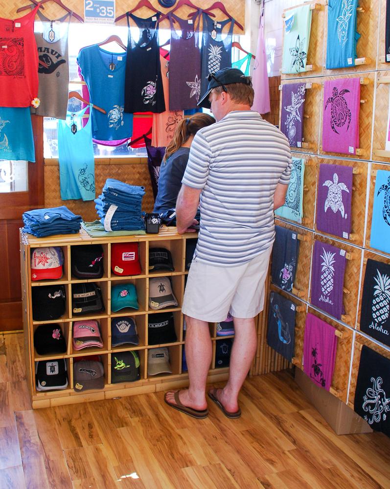 Hawaiian souvenir shopping guide for Maui