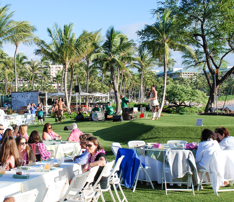 Experience the aloha spirit and Hawaiian Ho'okipa at a joyful Hawaiian luau.