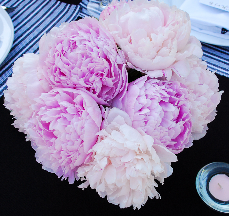 Peonies always make for a beautiful tablescape. Follow these 3 rules to host a noteworthy summer dinner party filled with good conversation, delicious food, and plentiful libations.