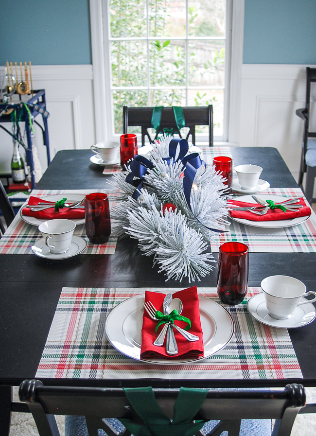 Christmas decor ideas - preppy trad tablescape