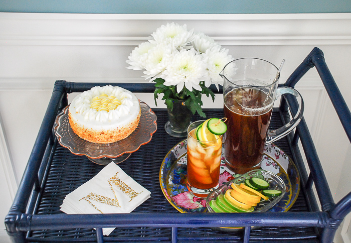 Savor the tastes of spring with a Pimm's & tea cocktail. #cocktailrecipes #drinks #cheers