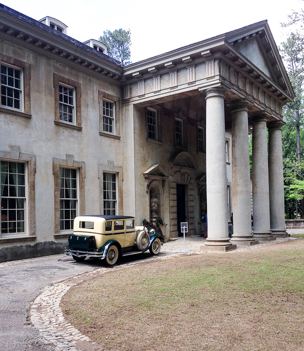 Enamored with the Jazz Age and the New South? Visit Atlanta's Swan House for a taste of 1920's culture, design, and luxury!