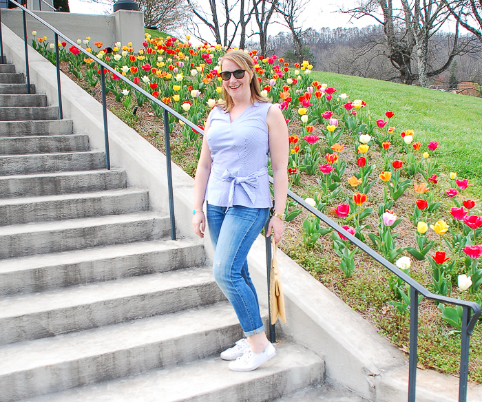 Tulips & Stripes for the perfect casual spring outfit...#ModernClassicStyle #Blueandwhitestripes #SpringLook #WIW