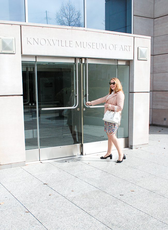 Let's go to the Knoxville Museum of Art