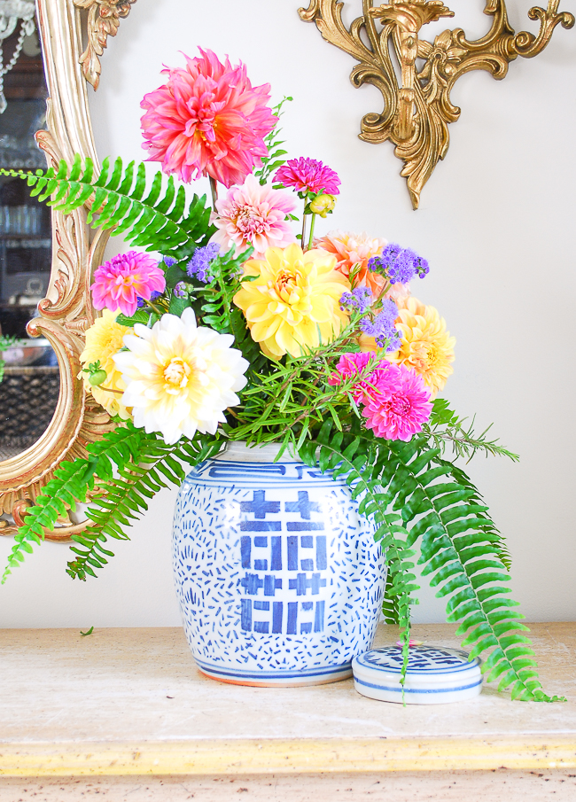 Step 4 Use Color patterns to make the perfect ginger jar floral arrangement