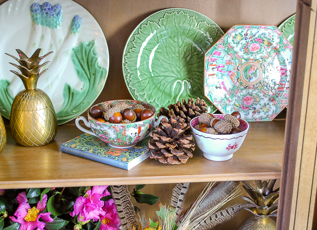 Break up Majolica with other China patterns and decor styles for a more interesting vignette! Here Rose Medallion and Majolica plates mingle.