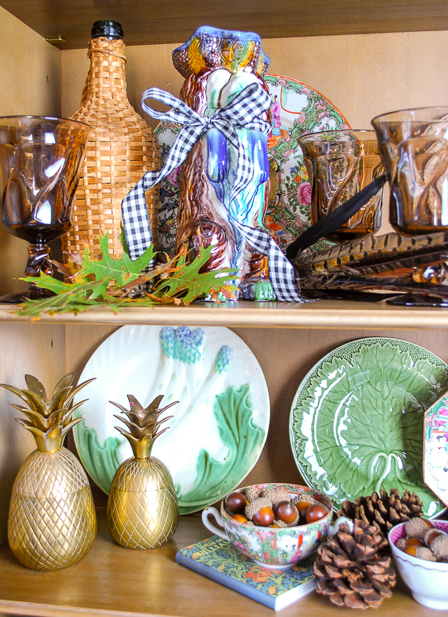Gingham complements Majolica