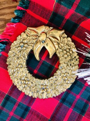 Brass wreath trivet