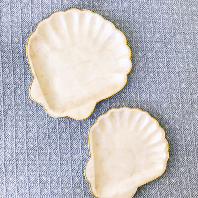 Set of 2 capiz shell plates