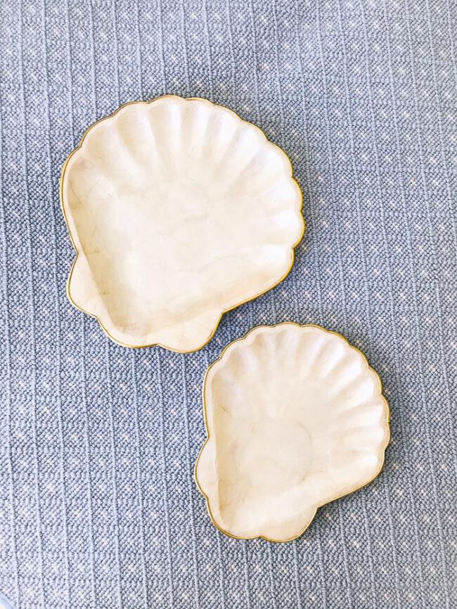 Set of 2 capiz shell plates