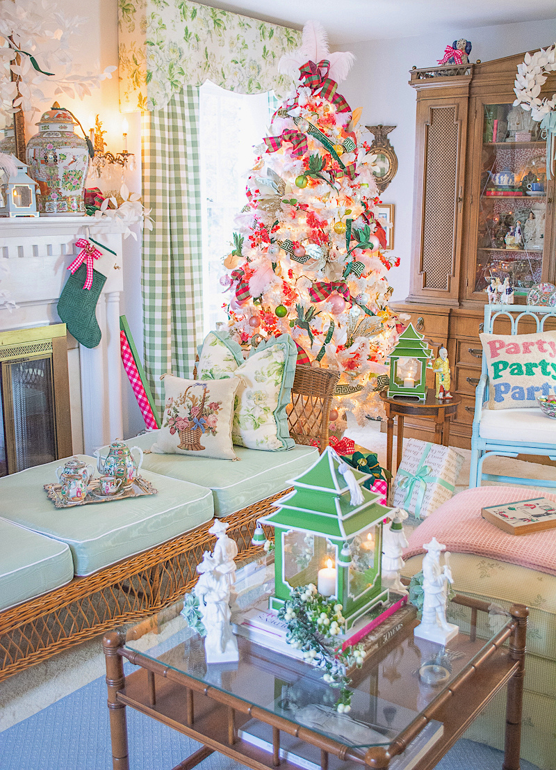 A very pink and green Chinoiserie Christmas living room