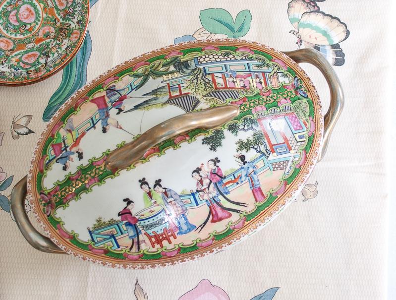 Top of lid on tureen showing Rose Mandarin pattern