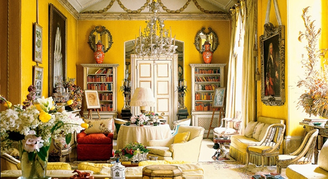 Colefax & Fowler, traditional designers, famous yellow room