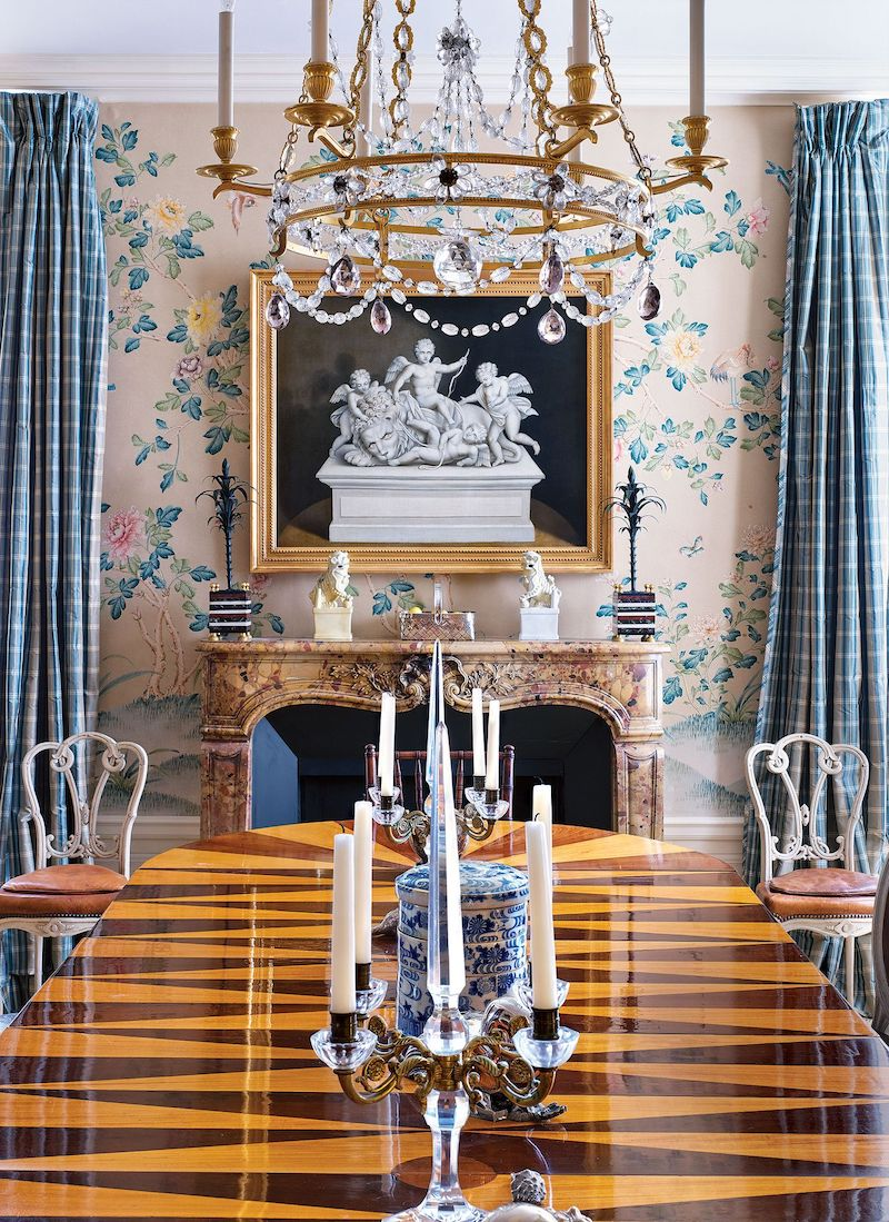 Dining room with Chinoiserie wallpaper designed by Mark Hampton, NYC Apartment