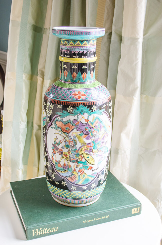 Famille Noire large vase with battle and court scenes