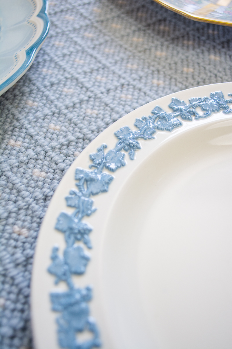 Wedgwood Queensware plate showing sprigging design