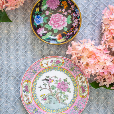Chinoiserie floral plates: famille noire and Toyo bird song
