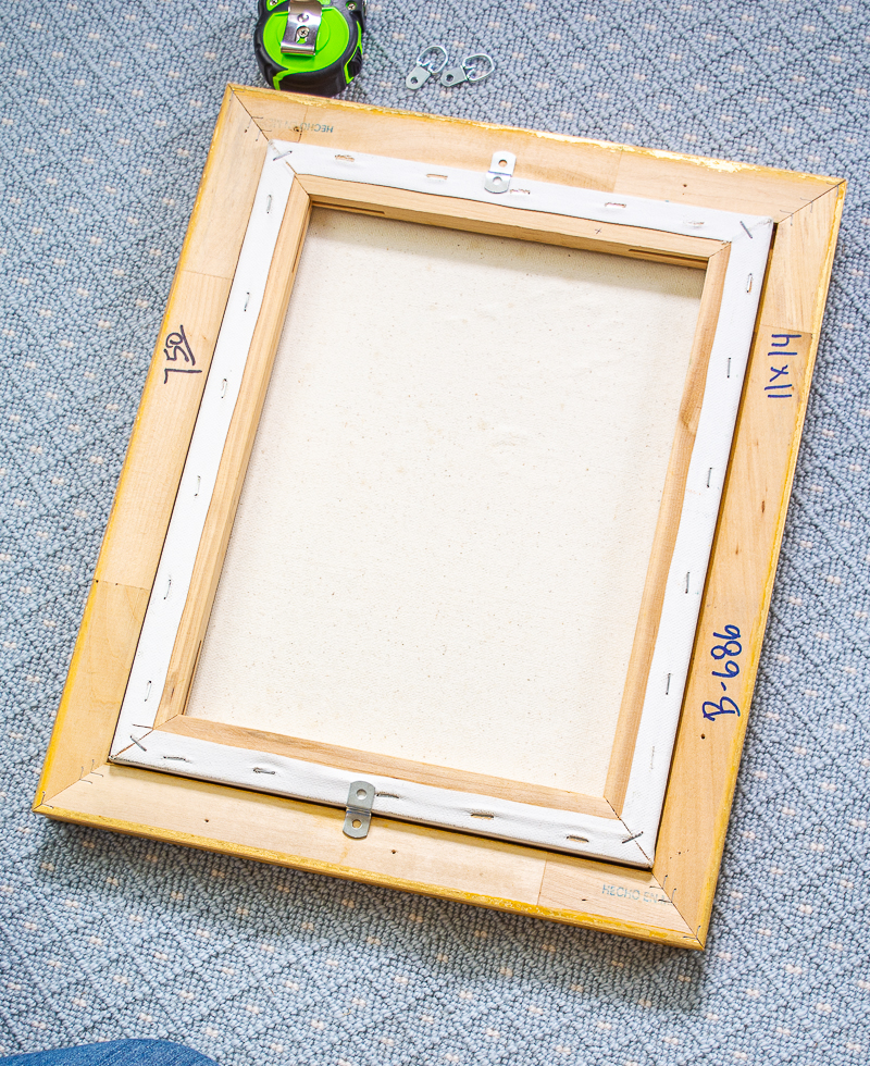 Using offset clips to frame a painting