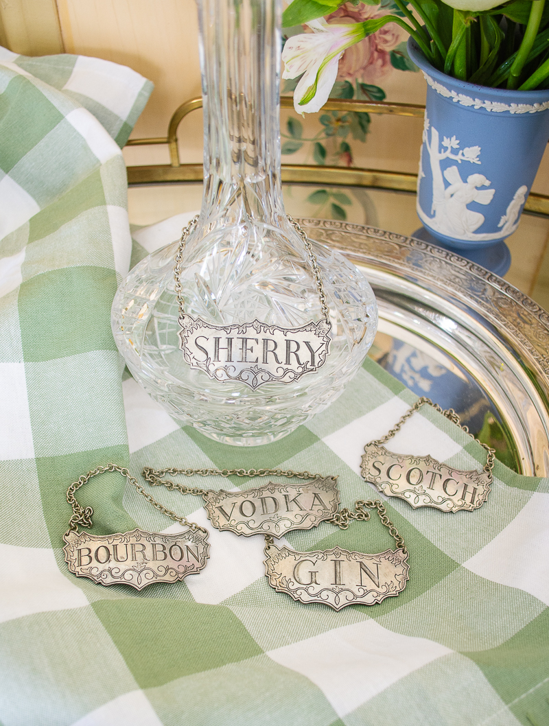 Label your decanters with vintage labels in silver for an extra stylish touch