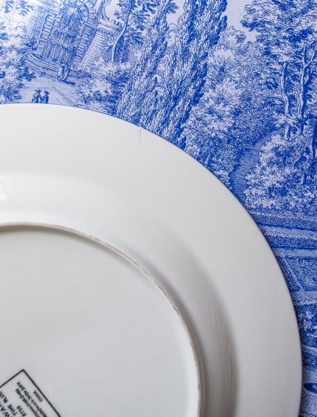 Firing crack on one plate