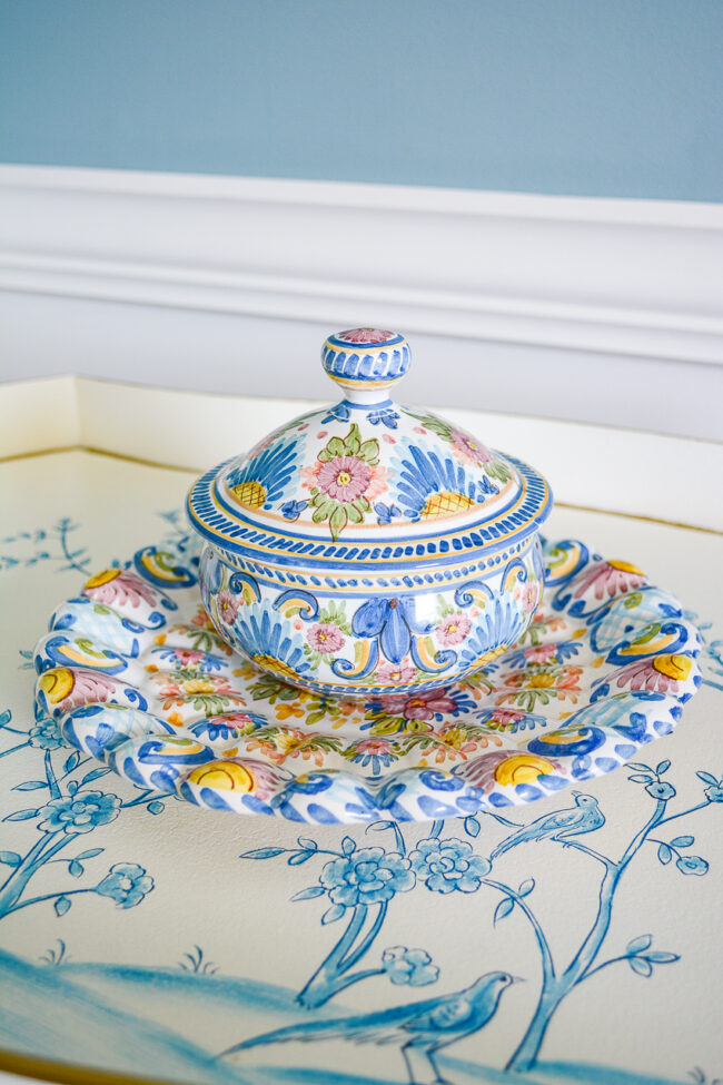 Sevillearte tureen with underplate